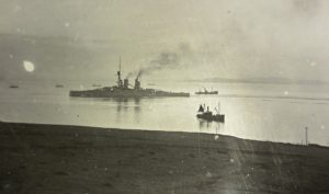Bayern passing through Hoxa boom 27 Nov 1918. 4154 ½ plate. 941.90 A